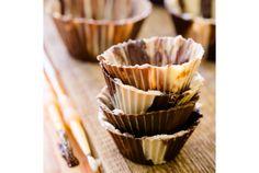 お菓子作り用のカップは誰もが使った事ある万能品。でも今日紹介するカップはチョコレートでできているんです! なので、わざわざカップ...