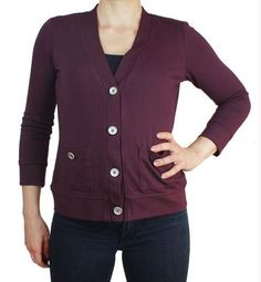 SBCC Cabernet Cardigan Sewing Pattern - The Cabernet Cardigan features three different body length options, perfectly proportioned for petites View A- long and relaxed fit with or long sleeves View B- short and relaxed. Blouse Patterns, Sewing Patterns, Sewing Ideas, Sewing Projects, Hourglass Figure Outfits, Indie, Sewing Blogs, Cardigan Pattern, Cropped Cardigan