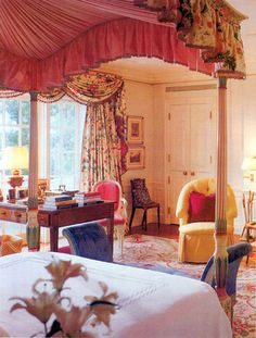 Bedroom in Lake Forest home. Cream and red Aubusson rug, canopy bed Beautiful Bedrooms, Beautiful Interiors, Beautiful Homes, Rental Decorating, Interior Decorating, Interior Design, Aubusson Rugs, Forest House, Contemporary Classic