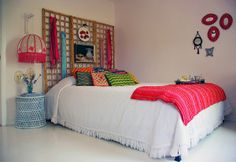 Beautiful bedroom. Boho inspired, and exactly what I'm looking for.