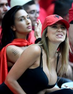 THE action is hotting up at Euro 2016 — at least off the pitch. Temperatures were sent sky-high by these sexy soccer fans flaunting their curves. A Russian supporter in tight pink shorts and a patr… Hot Football Fans, Football Girls, Soccer Fans, Female Football, Hockey Girls, Hot Fan, Hot Cheerleaders, Sporty Girls, Sexy Hot Girls