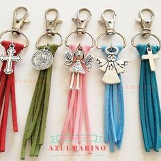 Cute w/ logo or leaf Tassel Jewelry, Leather Jewelry, Beaded Jewelry, Handmade Jewelry, Beaded Bracelets, Faith Crafts, Diy Keychain, Bijoux Diy, Key Fobs