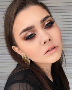 light makeup – Hair and beauty tips, tricks and tutorials Pale Skin Makeup, Red Lip Makeup, Makeup For Brown Eyes, Eye Makeup, Hair Makeup, Makeup Hairstyle, Formal Makeup, Prom Makeup, Bridal Makeup