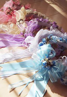 結婚式用 ヘアアクセサリー フラワーティアラ 結婚式用フラワーティアラ 女の子 リングガール用 ヘアアクセサリー キッズ 花冠 バラのつぼみ 薔薇 ばら ブーケ   商品番号: Z0047