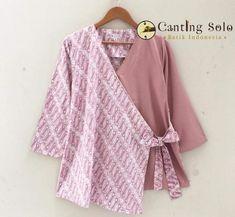 Batik Kebaya, Batik Dress, Kimono Blouse, Tunic, Modest Fashion, Hijab Fashion, Fashion Dresses, Blouse Styles, Blouse Designs