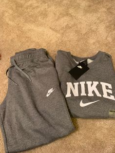 Woman's large Nikesuit . Cute Nike Outfits, Cute Lazy Outfits, Sporty Outfits, Teen Fashion Outfits, Athletic Outfits, Swag Outfits, Retro Outfits, Mode Outfits, Trendy Outfits