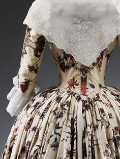 Overdress Place of origin: Coromandel Coast (made) Date: ca. 1760-1770 (made) Artist/Maker: Unknown Materials and Techniques: Painted and dyed cotton, partly lined with silk | V&A Search the Collections