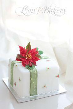 christmas cake poinsettia Christmas gift by Lyons Bakery - beautiful Christmas Cake Designs, Christmas Cake Decorations, Christmas Sweets, Holiday Cakes, Noel Christmas, Christmas Goodies, Christmas Baking, Xmas Cakes, Christmas Gift Cake