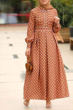 <img> Beige Polka Modest Dress Source by - Modest Formal Dresses, Modest Maxi Dress, Formal Gowns, Casual Dresses, Dresses Dresses, Dance Dresses, Muslim Fashion, Modest Fashion, Fashion Outfits