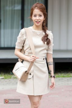Chụp hình cùng nhau, An Nguy và hot girl nổi nhất Thái Lan Pimtha - ai xinh hơn? - Ảnh 1.