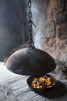 PEKA (iron baking bell) - most wanted gadget in Sinj and surroundings. Photo: Ante Gašpar
