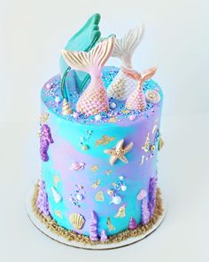Mermaids have been the theme of the month and I'm not hating it! I love making these whimsical cakes and this one was no exception with… Mermaid Birthday Cakes, Mermaid Cakes, Fancy Cakes, Cute Cakes, Sirenita Cake, Sea Cakes, Ballerina Cakes, Cake Wrecks, Strawberry Cakes