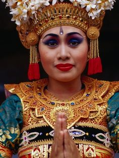 BALINESE DANCER.....DRESSED IN FINERY.....PARTAGE OF CHITRA.....