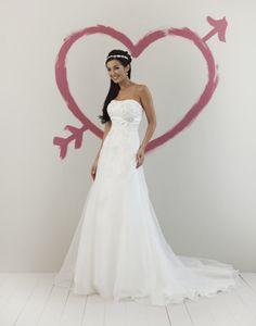 Een exclusieve bruidsjurk of betaalbare bruidsjurk koop je bij Felicia bruidsmode
