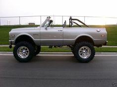 Emilyt Kohler uploaded this image to 'BEN/Truck pics/67-72 GM trucks/Blazers 3'.  See the album on Photobucket.