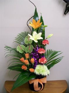 CA5225: Splender - simply a stunning flower arrangement
