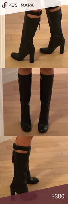 Marc Jacobs leather boots Marc jacobs leather boots, worn just two times, like new condition, can see that it was worn only on the sole Marc by Marc Jacobs Shoes Heeled Boots