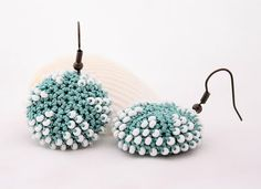 Uncinetto d'oro: Meravigliosi orecchini all'uncinetto!! Beaded Starfish, Starfish Earrings, Yarn Projects, Crochet Projects, Diy Jewelry, Beaded Jewelry, Crochet Jewellery, Jewellery Earrings, Bead Crochet