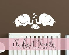 Cute Elephant Hearts Family Wall Decals Baby Nursery par DecalLab, $25.00