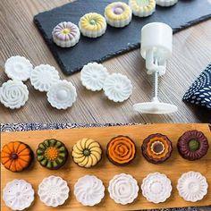 Mooncake Mold Cake Flowers Print Hand Press Mid-autumn Festival Baking Tool