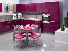 Cuisine Girly de couleur aubergine