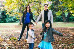 Stanley Park Family Photo #stanleyparkfamilyphoto #vancouverfamilyphotographer #elsafanphotography