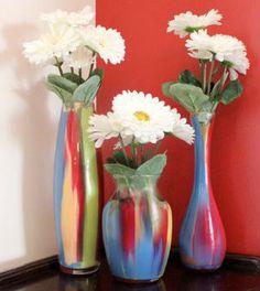 Veja aqui passo a passo como fazer uma pintura em vasos de vidro