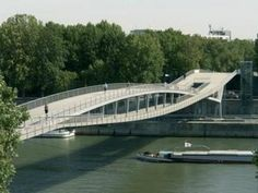 Pedestrian Bridge Simone de Beauvoir