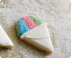 Let it Snow(cone)! ::: snowcone cookies ::: bake at 350 Summer Cookies, Fancy Cookies, Iced Cookies, Cut Out Cookies, Cute Cookies, Royal Icing Cookies, Cookies Et Biscuits, Heart Cookies, Valentine Cookies
