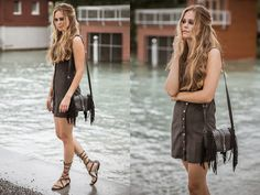 Boho Summer meets Brigitte Bardot. A bohemian inspired look to start into the weekend.  I am heading to Lucerne to enjoy the blueballs festival. One of my ten reasons why you should visit this lovely city.  We were inspired by the look of the young Brigit Bardot. More pictures will follow soon.   Photography: David Biedert Hair & Make up: Melanie Volkart   I'm wearing:  Dress: Vintage Gladiator Shoes: Mango Fringe Bag: H&M Switzerland