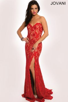 Form fitting lace prom dresses