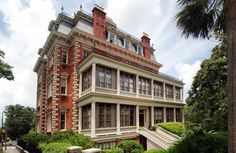 Wentworth Mansion Charleston, South Carolina Architecture Buildings Exterior Historic building tree sky landmark house neighbourhood classical architecture residential area mansion home Downtown palace condominium government building stone old tall
