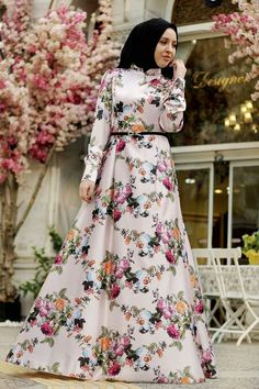 Inviting and fresh vintage floral printed maxi dress with featured cuff long sleeve, mandarin neckline and a-line skirt make wonderful look for Long Dress Fashion, Modest Fashion Hijab, Hijab Style Dress, Abaya Fashion, Muslim Fashion, Dress Outfits, Fashion Dresses, Modele Hijab, Pakistani Dresses