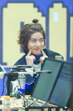 Hwiyoung SF9 Asian Boy Band, Rapper, Sf9 Taeyang, Sf 9, Guy, Korean Babies, Best Kpop, Kids Wallpaper, Fnc Entertainment