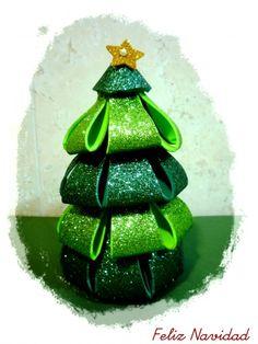 Tutorial árbol y bola de Navidad de goma eva                                                                                                                                                                                 Más