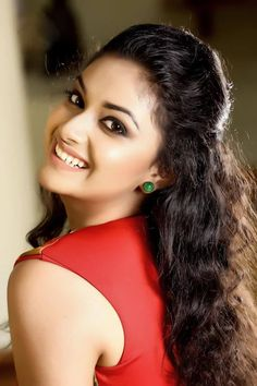 Actress Keerthi Suresh HD Photos | Latest Stills Of Keerthi Suresh ★ Desipixer ★