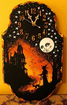 Shellyne, they sell wood plaques like these at Michael's and clock parts. I've always wanted a halloween clock (let's add a 13 though). Samhain Halloween, Holidays Halloween, Halloween Crafts, Happy Halloween, Halloween Decorations, Halloween Ideas, Halloween Ornaments, Halloween Night, Black Cat Painting
