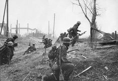 Soldados alemanes en las afueras de Stalingrado, 1942.