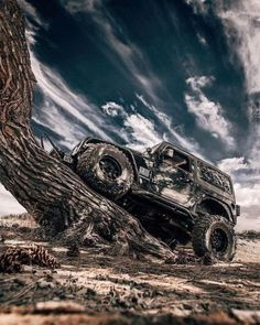 Explore The Best Jeep Photos Lineup That Will Blow Your Mind. Experience The Most Feature Loaded Best Hot Jeeps Of All Times. Jeep Jl, Jeep Cars, Jeep Truck, Us Cars, All Black Jeep, Jeep Wallpaper, Jeep Concept, Jeep Photos, Badass Jeep