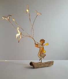 réaliser des oiseaux reliés à des fils de fer -> bouquet d'oiseaux Wire Crafts, Diy And Crafts, Arts And Crafts, Cut Paper Illustration, Book Sculpture, The Little Prince, Wire Art, Altered Art, Online Art
