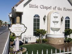 The Little White Wedding Chapel Home Of Famous Drive Through