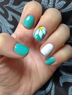Feature-Daisy | Awesome Spring Nails Design for Short Nails | Easy Summer Nail Art Ideas #DIYNailDesigns