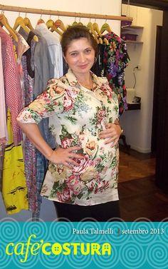 Só não dá para saber se a Paula está mais orgulhosa da barriga ou da blusa!! :)