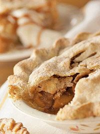 apple pie -Midwest readers, bakers and the Midwest Living Test Kitchen offer delicious twists on all-time apple, cherry, pumpkin and other fall pie classics. Apple Pie Recipes, Fall Recipes, Snack Recipes, Thanksgiving Recipes, Dessert Recipes, Snacks, Best Apple Pie, Apple Pies, Quick Cooking Tapioca