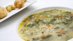Receta de Sopa de verduras con costrones de albahaca