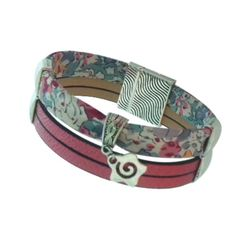 Bracelet simili cuir rose liberty of london Cuir Rose, Bracelet Cuir, Liberty Of London, Fuchsia, Bracelets, Creations, Articles, Boutique, Leather