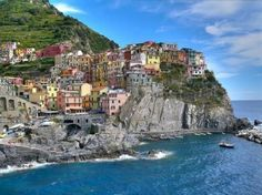 The Cinque Terre, Italia Turin, Places To Travel, Places To See, Voyager Seul, European Road Trip, Cinque Terre Italy, Riomaggiore, Beautiful Places In The World, Beautiful Scenery