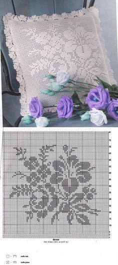 La almohada por la cinta de filete las flores. La labor de punto por el gancho de las fundas a las almohadas del esquema. | mí el Ama