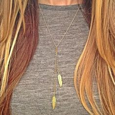 NWT Sparkling Gold Feather Necklace  Item Type : Necklace  Condition : 100% Brand New   Material : Metal Alloy   Chain Length : 50 cm approx  Color : Gold Expect fast shipping, feel free to check out my closet for amazing deals on unique chic pieces and let me know if there are any questions.   Thank you and Namaste  Jewelry Necklaces