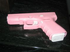 pink glock! Favorite gun! I wanna do this to mine so bad.